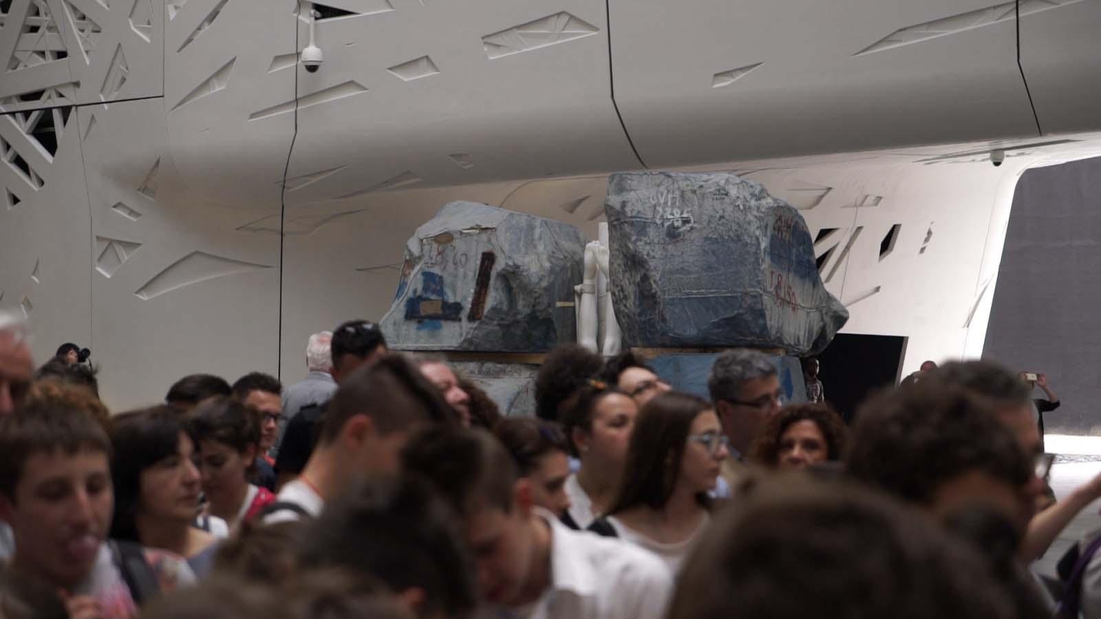 Argot ou La Maison Mobile - Vanessa Beecroft Expo 2015